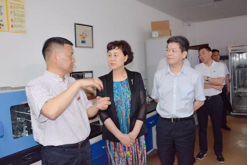黄兰香在湖南大学开展联谊交友及调研活动