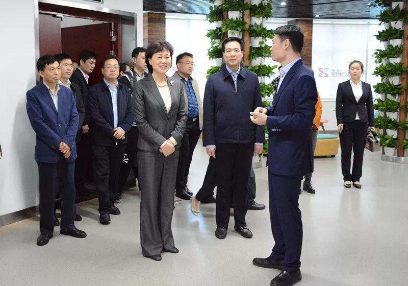 省委常委、省委统战部部长黄兰香在长沙市走访调研非公企业。
