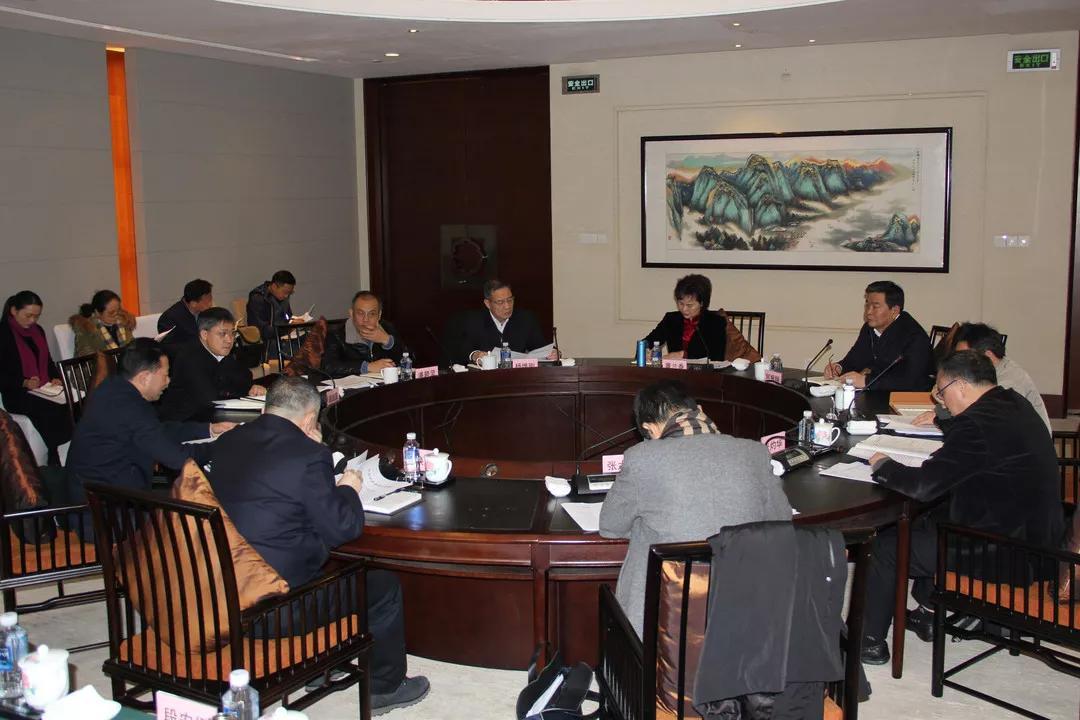2月19日上午,省委统战部与各民主党派省委举行2019年第一次圆桌会议。