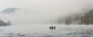 这条不出名的湘西小河,晨雾像极了水墨画!
