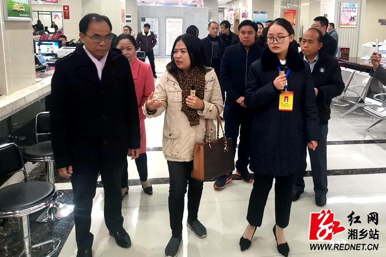 老挝凯山丰威汉市代表团来我市访问交流