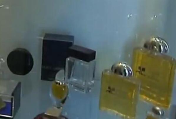 法国媒体披露 法国香水出厂成本仅占售价15%