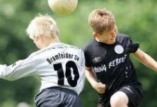 苏格兰拟禁止12岁以下儿童练头球:因为易致痴呆症