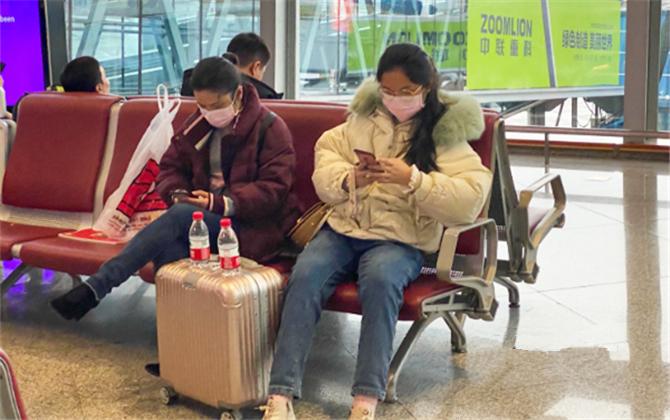 """多圖直擊""""武漢肺炎疫情""""下的公共出行"""