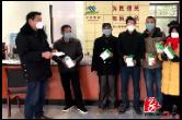 暖心!60岁老党员爱心捐赠7000只口罩帮助村民防控疫情