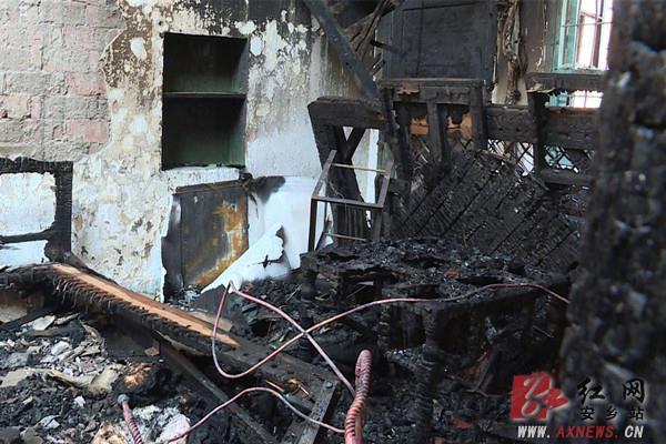 安乡县城一天发生两起火灾 消防部门提醒注意防火