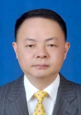 郑建新任长沙市副市长、代理市长,朱东铁任长沙市副市长