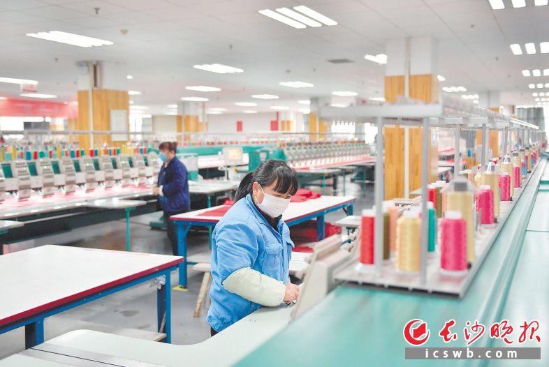 长沙已有2457家工业企业复工 逾16万产业工人回归岗位