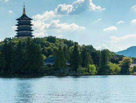 杭州西湖景区开放 游客需戴口罩游览