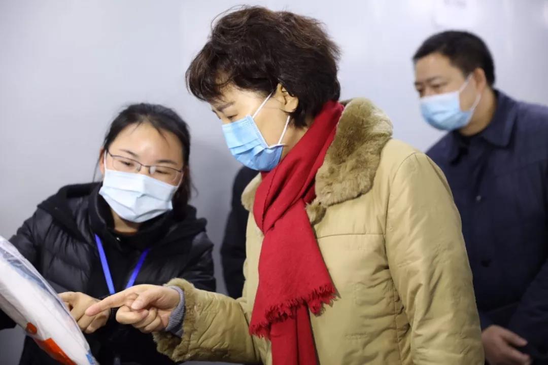 黄兰香在常德督导检查疫情防控工作