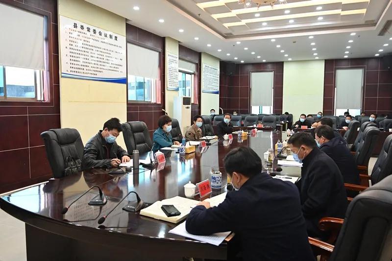 黄兰香在新化县督导时强调 以更大决心更强力度打赢脱贫攻坚战
