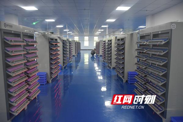 电池测试机房。.jpg