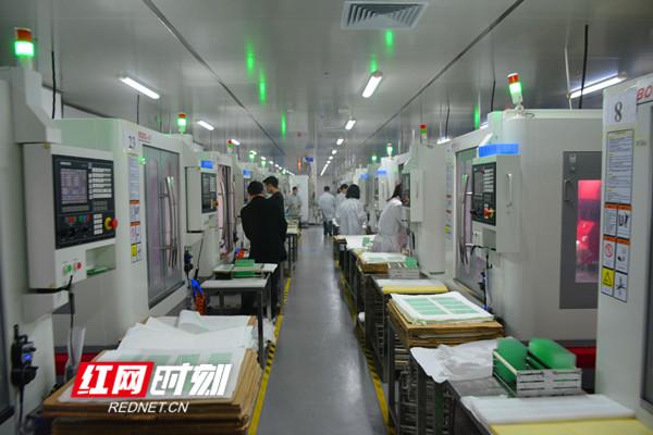 湖南锐祺科技有限公司生产车间 (1)_副本.jpg