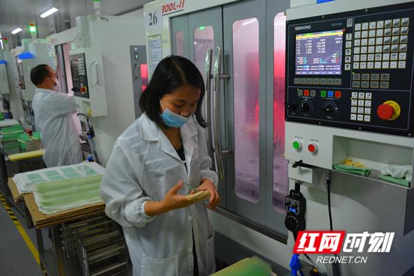 湖南锐祺科技有限公司生产车间 (2)_副本.jpg