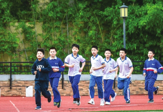 长沙:校内户外活动不用戴口罩