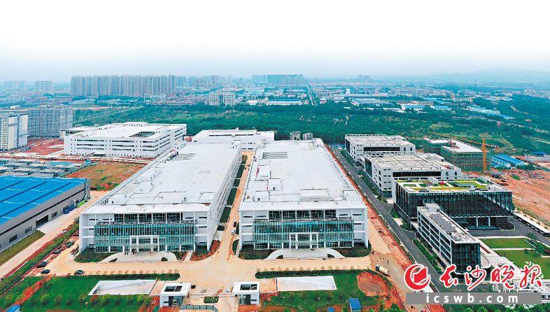 正在建设中的长沙智能终端配套产业园。龙宇 摄