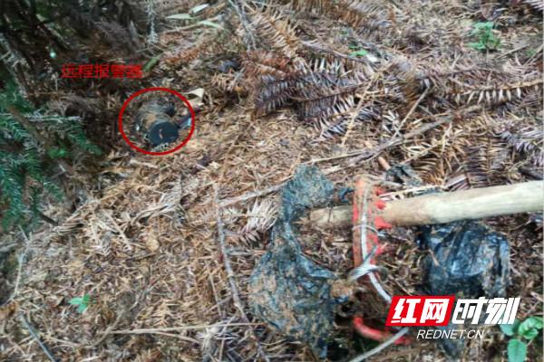 现场搜查到的非法狩猎工具_meitu_2_meitu_6.jpg
