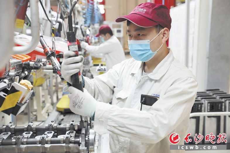 广汽菲克长沙工厂融合了先进的规划布局、工艺装备和管理模式,具有较高的数字化和自动化水平。王志伟 摄