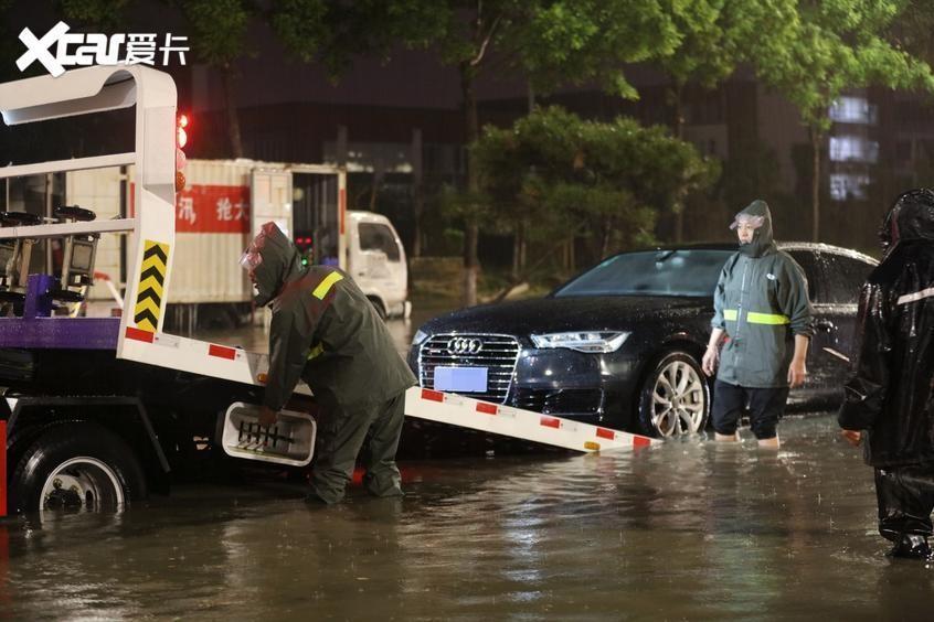 降雨按下连播键 最全雨季安全用车攻略