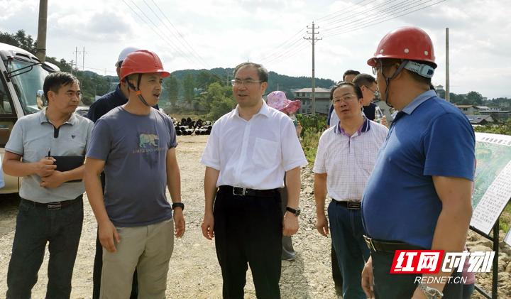 刘革安:狠抓执行落实齐心协力推进重点项目建设
