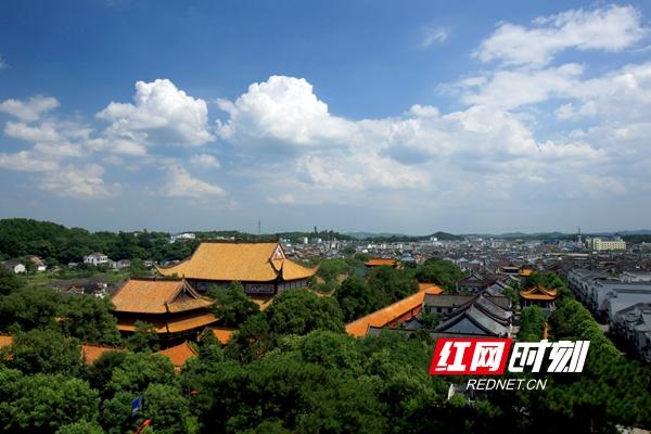 南岳大庙有九进四重院落,占地面积12万平方米_副本.jpg