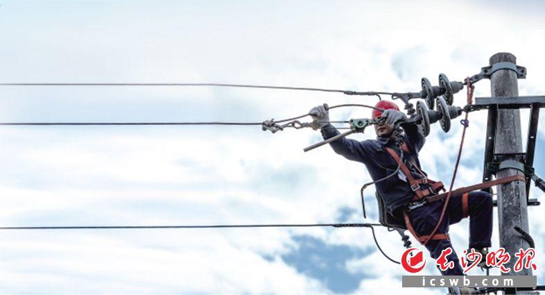 供电公司大力推进电网改造升级。均为国网长沙供电公司供图