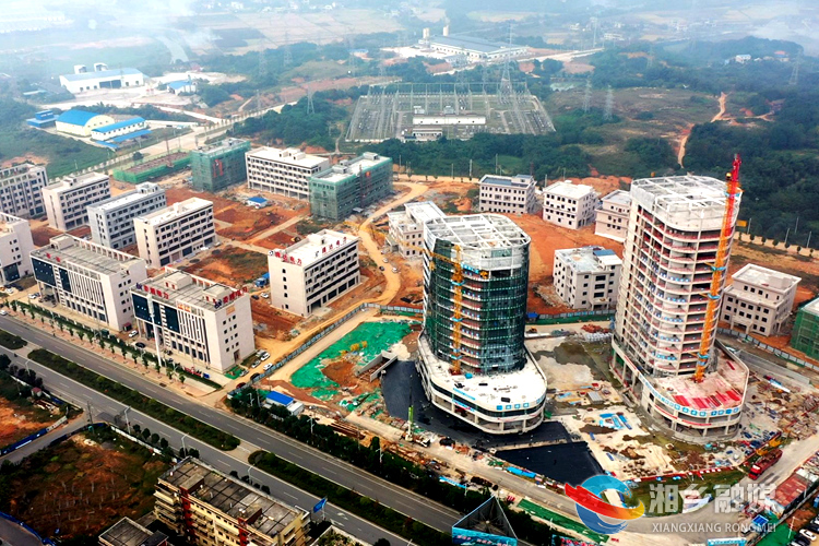 湖南中部电力科技产业园建设现场。.jpg