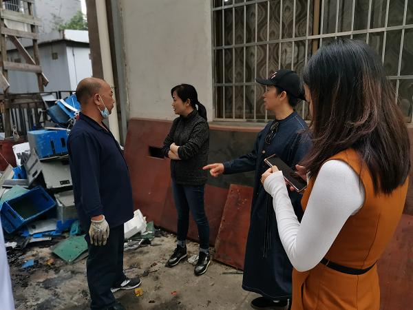 社区书记康姣与哈罗助力车长沙C3仓库负责人沟通现场.png