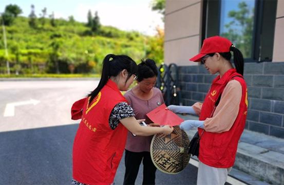 湘西凤凰:志愿服务让城市更有温度 文明之花处处绽放