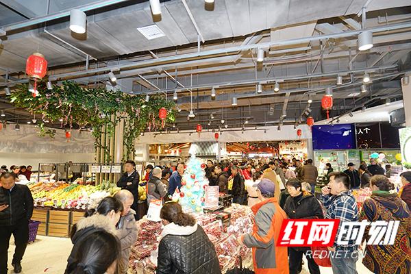 步步高广场株洲店打造8万平方米的一站式家庭时尚生活方式中心。.jpg