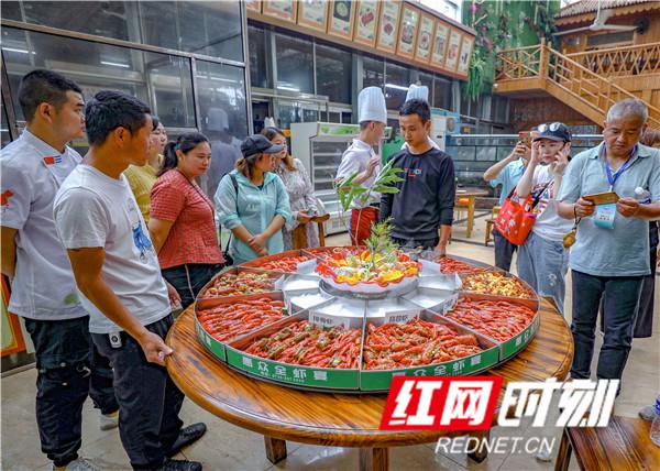 惠众生态餐厅推出全虾宴.jpg