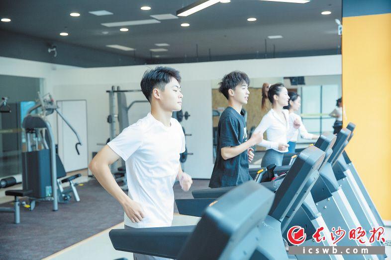 家门口的健身中心吸引不少市民来运动打卡。受访者供图