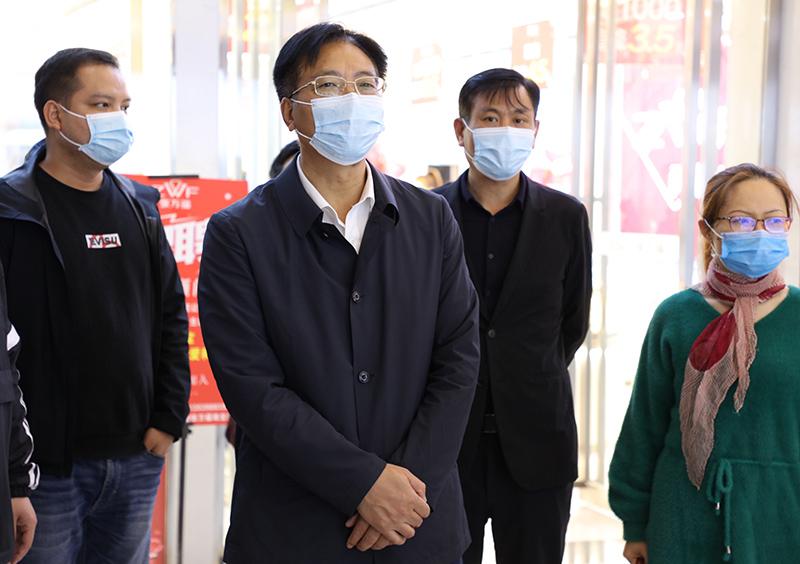 刘桢干率队督查疫情防控与创卫工作