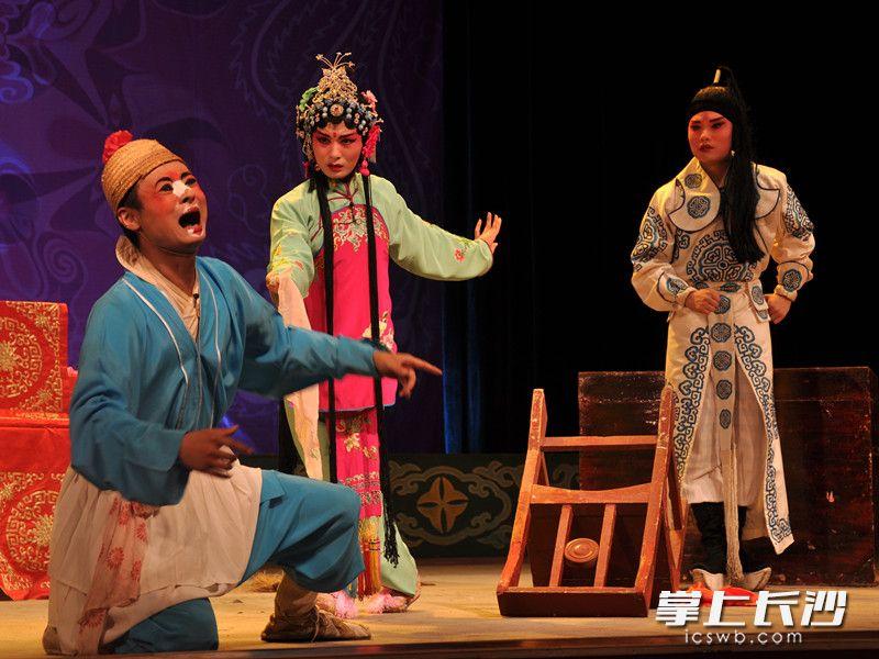 湘江剧场经典戏剧每晚上演。