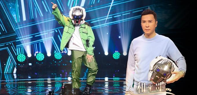《蒙面唱将5》甄子丹惊喜揭面 高能才艺玩转舞台