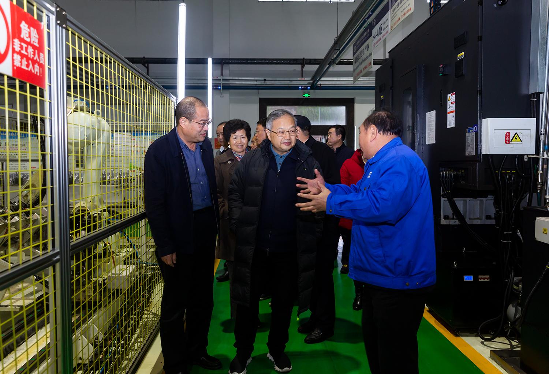 王柯敏副主任深入生产一线了解企业发展情况.jpg