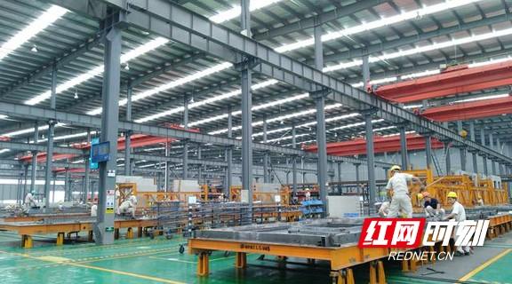 """2013年以前,远大住工就率先提出了把这种""""搭积木""""式的建房模式引入中国。.marked.jpg"""