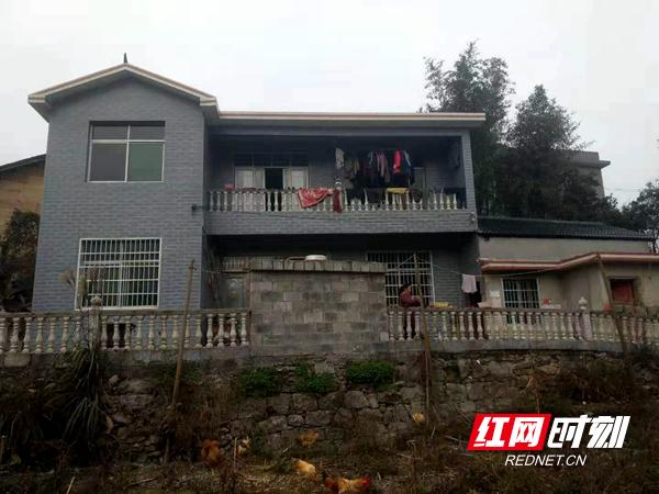 贫困户林顺清修建的漂亮新屋。.jpg
