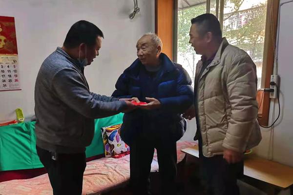 融城社区关爱老人2.jpg