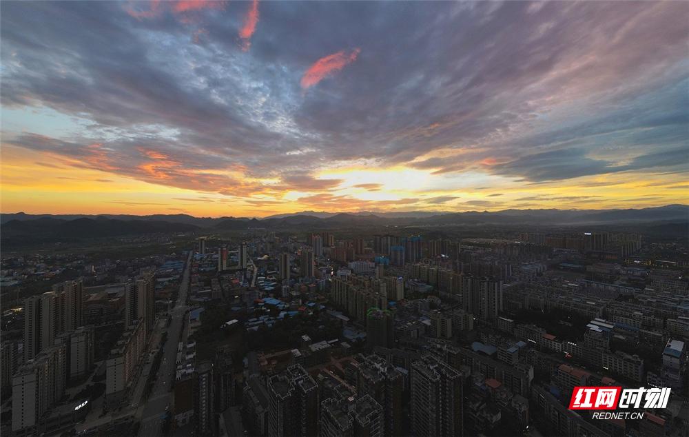 湖南新田:夕阳美如画