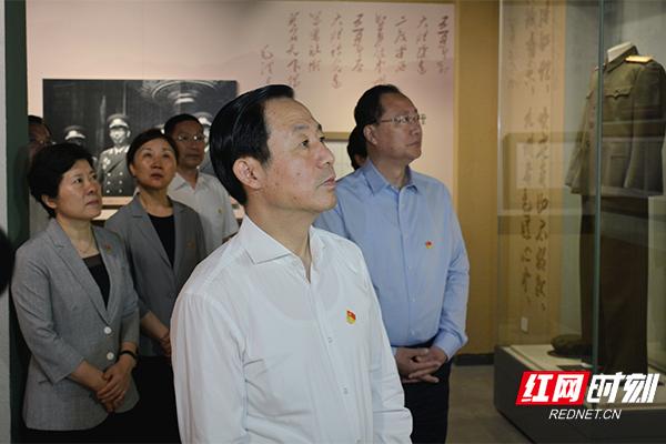 许达哲、毛伟明等参观许光达纪念馆.jpg