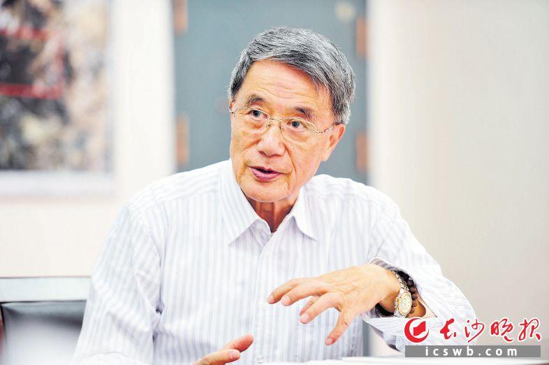 中国工程院首批院士、中南大学教授何继善。受访者供图