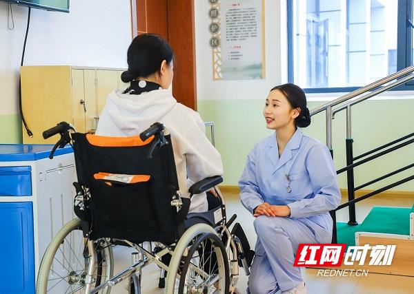 2021年湖南省职业院校技能竞赛养老服务技能赛项技能操2.JPG