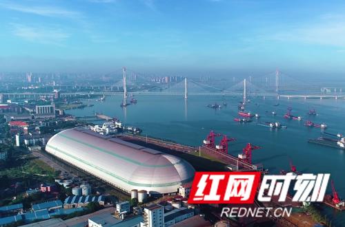 湘水集团旗下港务集团投资建设的城陵矶老港体制改造项目.png