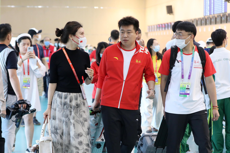 庞伟和妻子杜丽。