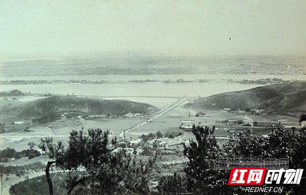 1-0-长沙-50-60年代湘江一桥建设前原貌.jpg