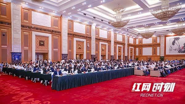 在深圳签约51个项目揽金623亿元 长沙拥抱粤港澳大湾区!