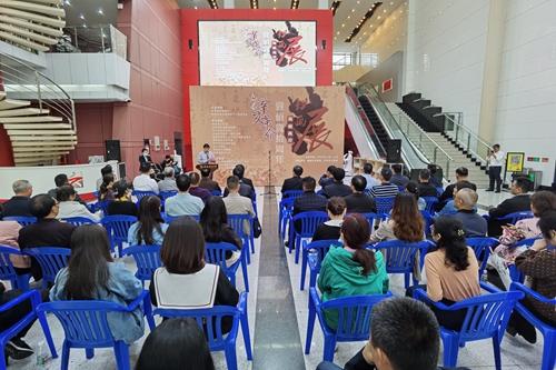 何报翔出席海峡两岸纪念辛亥革命110周年书画展开幕式3.jpg
